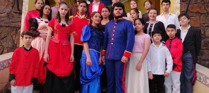 Con la Noche de Teatro se cierra el mes cultural del Festival de la Raza en Villarrica