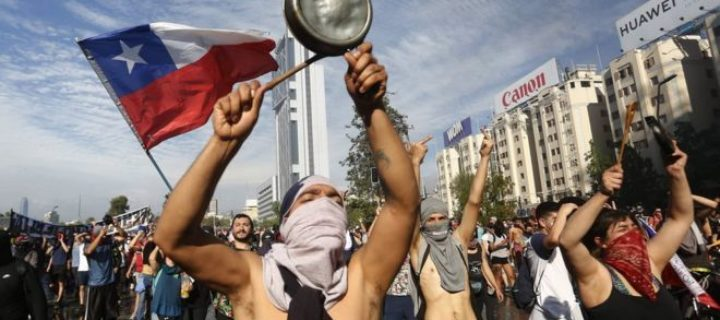 Protestas en Chile: la destrucción y el abandono de las zonas periféricas de Santiago en medio de las manifestaciones