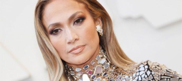 Jennifer Lopez y Kristen Bell participarán en el la serie «Thanks a Million»