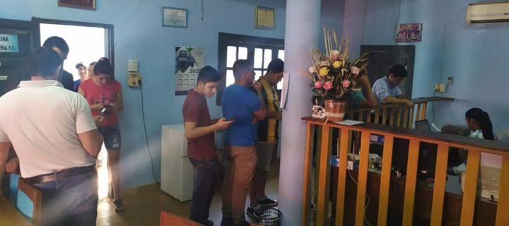 Guaireña FC juega en su casa: Larga fila para adquirir entradas.