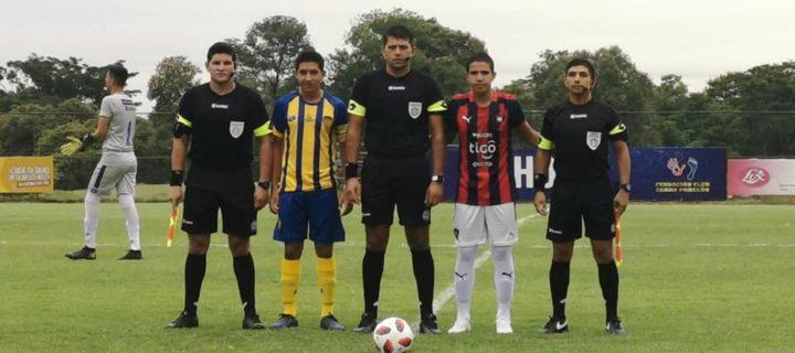 Arbitro Guaireño dirige encuentro de inferiores.
