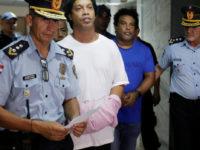 Otorgaron prisión domiciliaria a Ronaldinho Gaucho