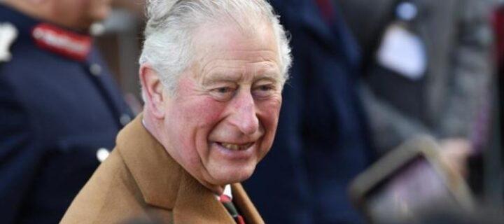 El príncipe Carlos admite que tuvo «suerte» con el coronavirus