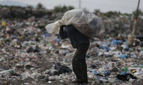 Sortear el coronavirus entre la basura de un gigantesco vertedero mexicano
