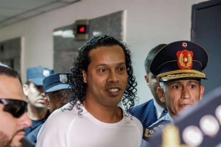 En 15 días será la audiencia que puede decretar la liberación de Ronaldinho