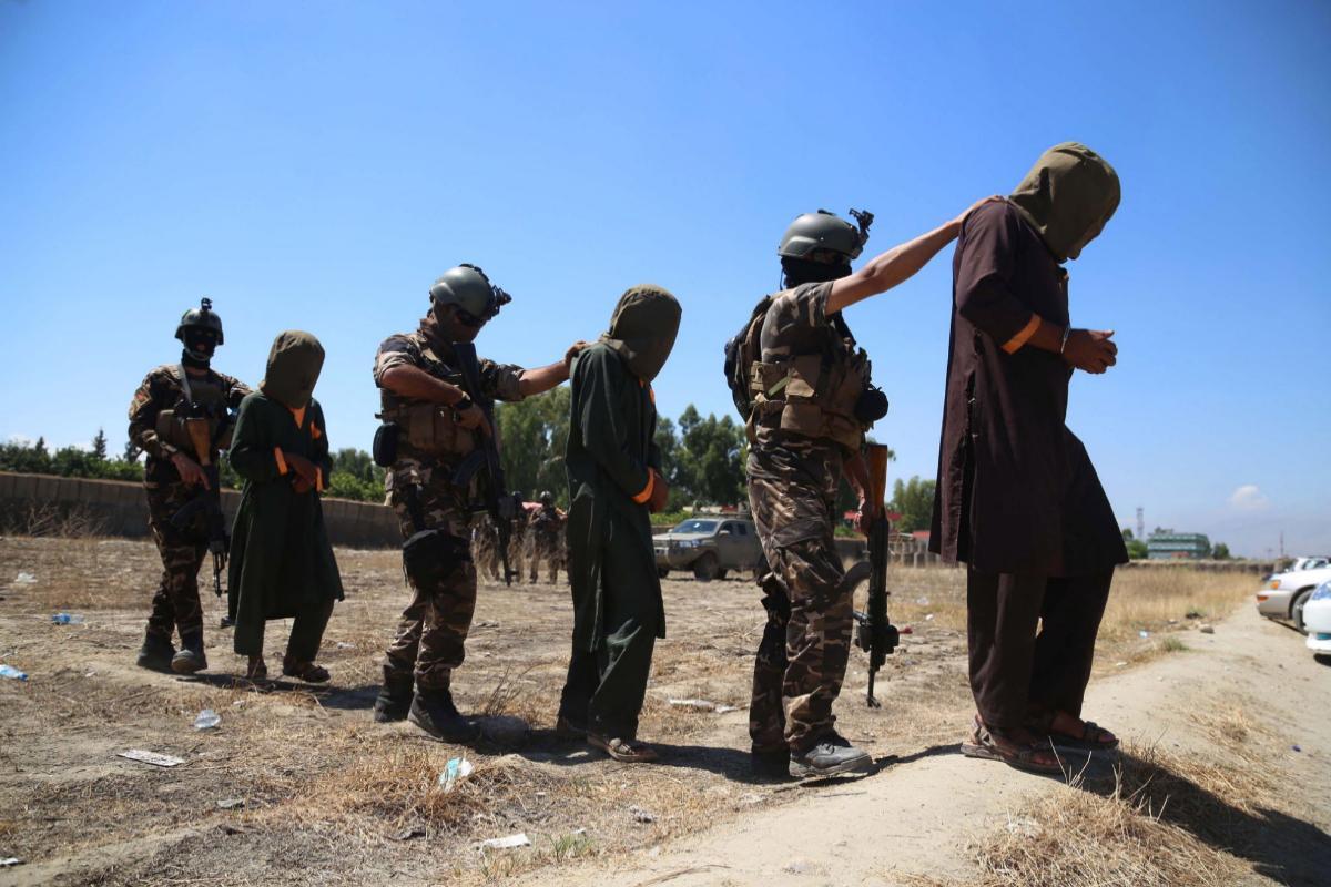 Kabul libera prácticamente a todos los prisioneros talibán