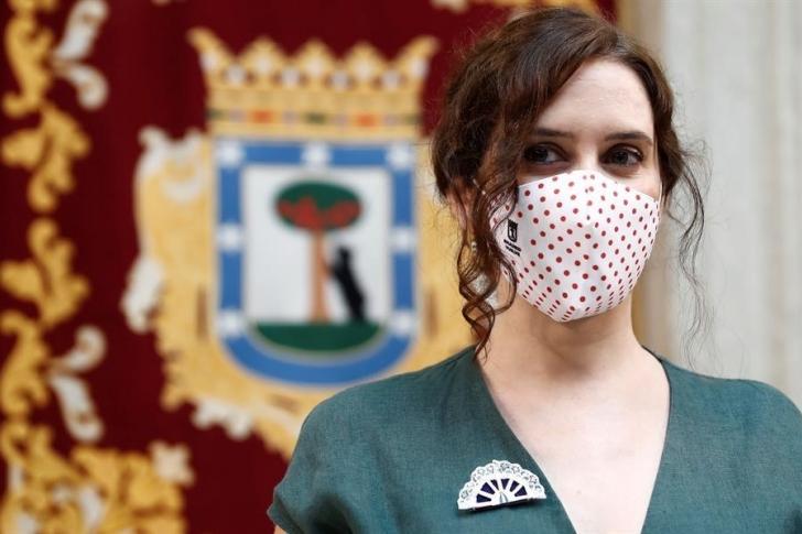 Madrid restringe más las reuniones sociales para frenar el coronavirus