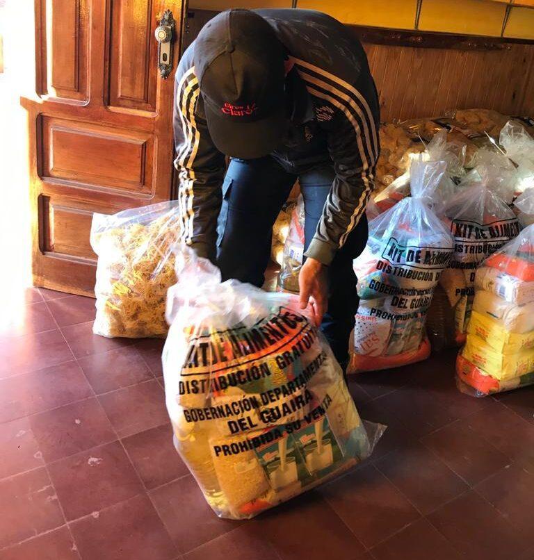 Se entregaron kits de alimentos en la Escuela Mita'i Shurí