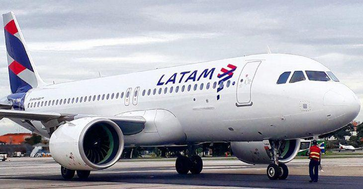 Aerolínea se expone a decisión del Gobierno ante conflicto con agencias