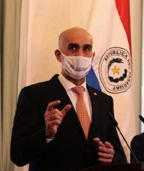 Mazzoleni pide dejar a un lado la hipocresía y critica el bajo impuesto al tabaco