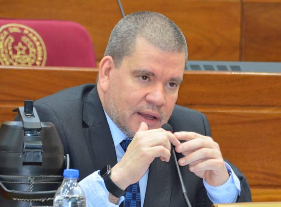 Barrios considera fundamental acceder a las vacunas contra el COVID-19