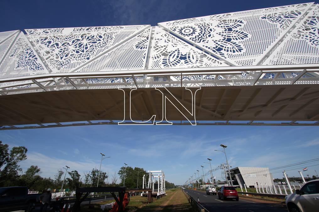 """Diputada pedirá informes al MOPC sobre polémica """"pasarela ñandutí"""""""