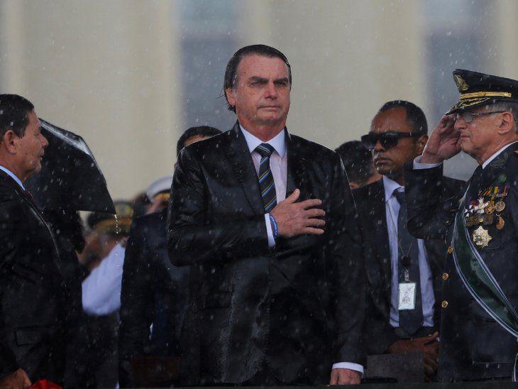 Bolsonaro cambia cúpula militar tras amplia reforma ministerial