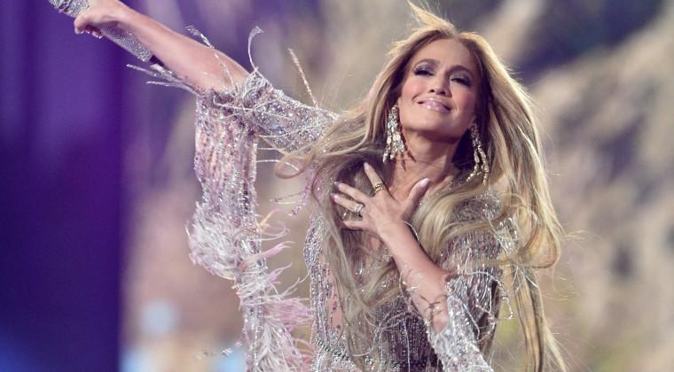 Príncipe Enrique y J-Lo encabezan concierto 'Vax Live' en Los Ángeles