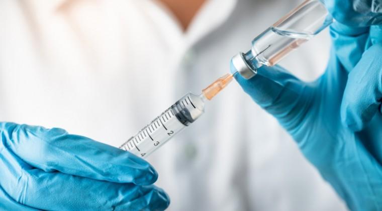¿Más casos de «vacunación VIP»?: difunden lista con alrededor de 500 nombres