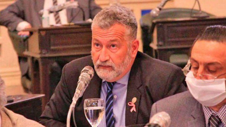Atacan a tiros a legislador argentino durante un acto de campaña